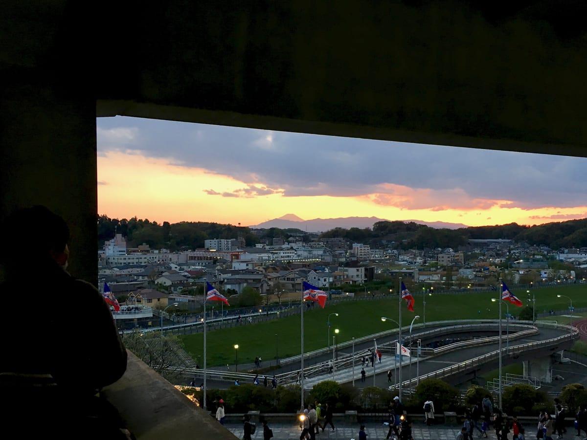 日産スタジアムからの富士山